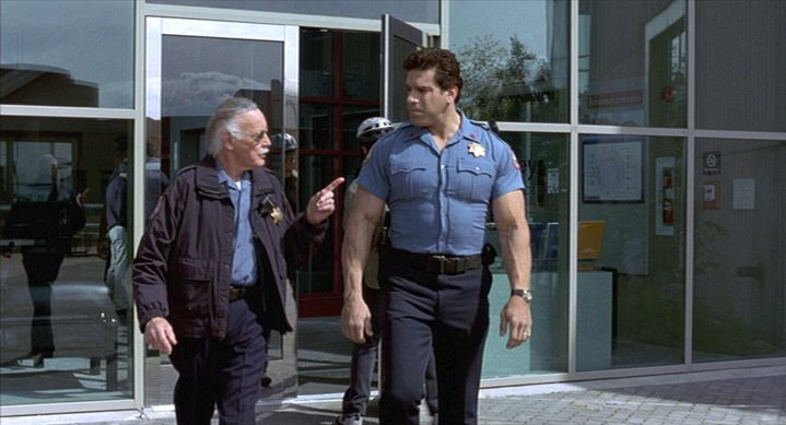 In The Incredible Hulk, what did Edward Norton give Lou Ferrigno to let him into the building?