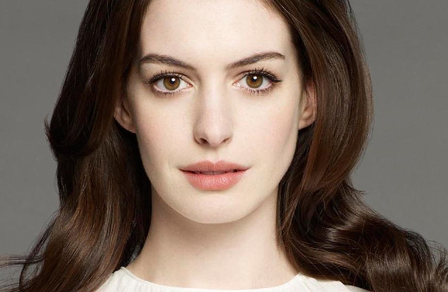 Anne Hathaway Closeup