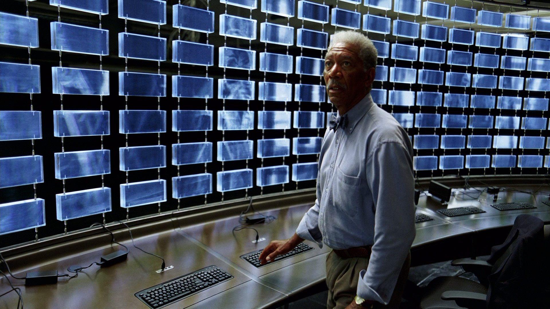 Lucius in sonar room
